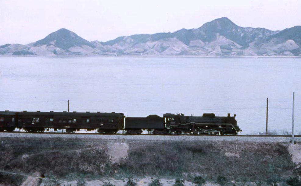 C59164の牽く荷物列車