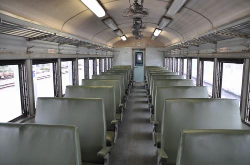 普快客車35SPK32700の車内