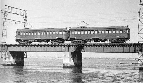 淀川を渡っていた601形は瀬戸内を渡って淡路島へ