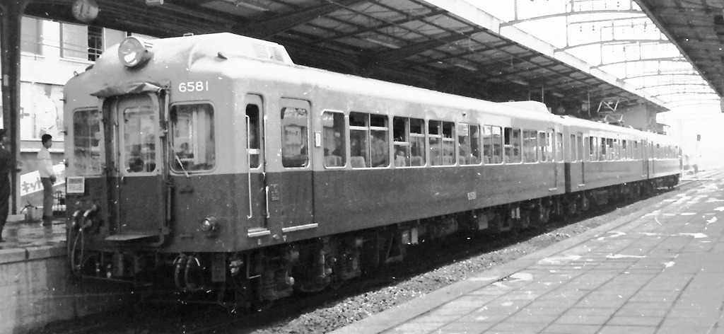 伊勢電気鉄道デハニ221形電車