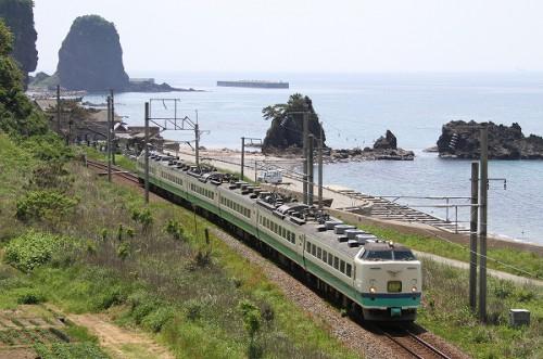 羽越線を行く/2013.5.5/Posted by 893-2