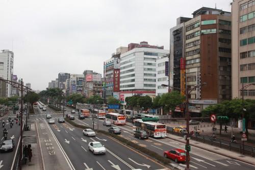 s-13.3.25中華商場