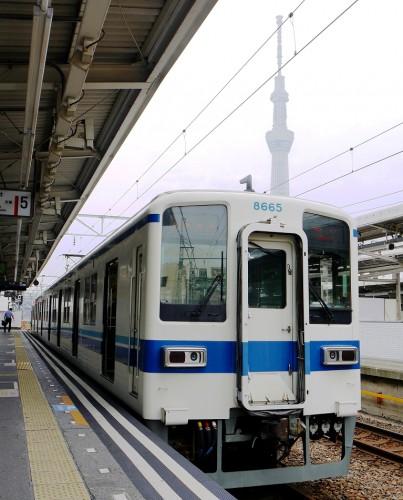 25-6-18曳船駅発車待ち