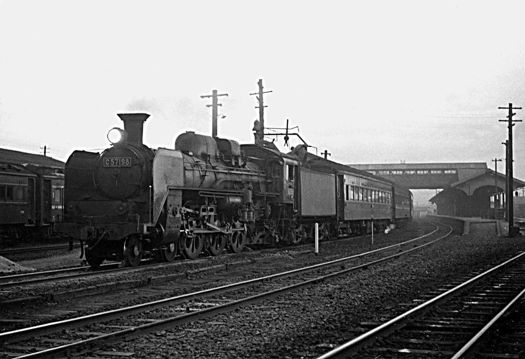 C5719802