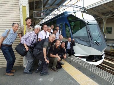 宇治山田駅での記念撮影(総本家様より提供いただきました。)