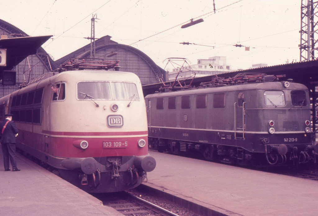 1973.3.18フランクフルト中央駅の103型