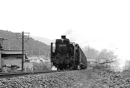 C58358牽く上り貨物 1968-9-13撮影