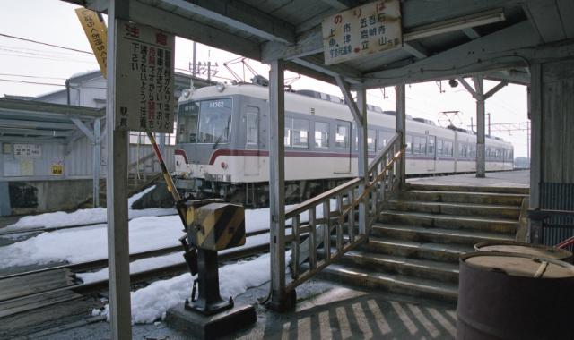 地鉄越中三郷駅-02A