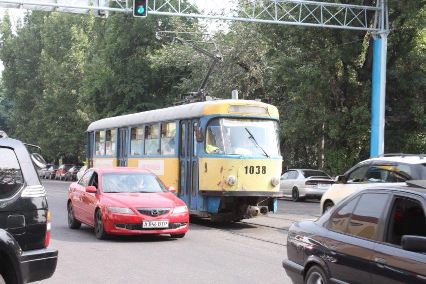 2012-7-25 アルマトイ市電1038号